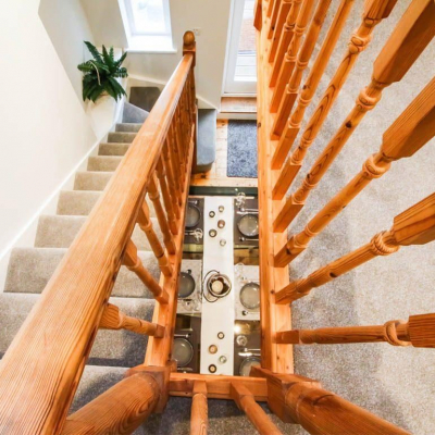 LULWORTH - STAIRCASE / DINER